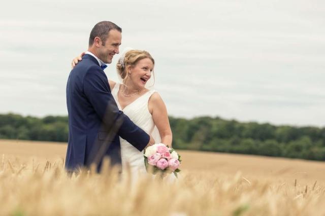 photographe mariage nancy maries champs de ble