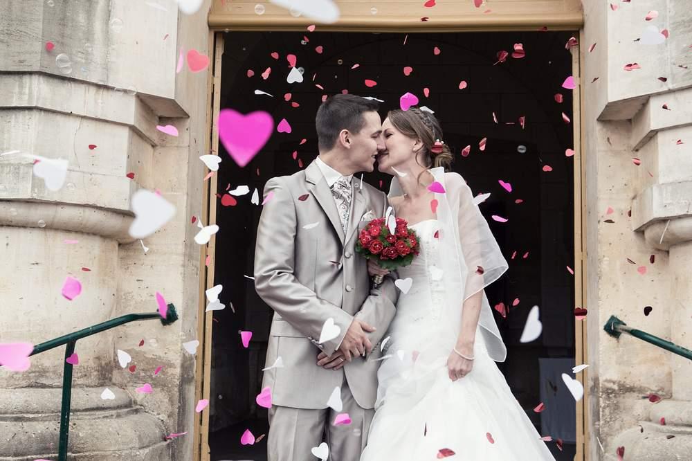 photographe mariage nancy sortie d eglise romantique