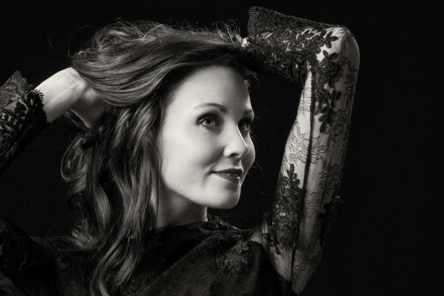 photographe nancy shooting studio noir et blanc miss lorraine charlene lallemand