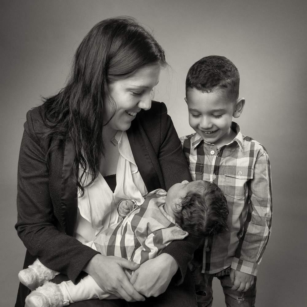 studio photographe nancy famille avec bebe
